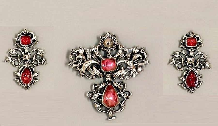 The History – and Influence – of Georgian Jewelry