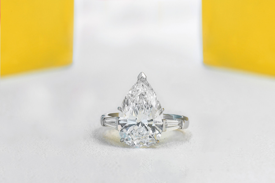 Bezel Setting Vs. Prong Setting: Which Should You Choose For Your Diamond Engagement Ring ?