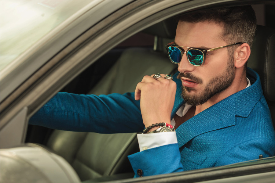 How to Wear an Emerald Ring for a Man