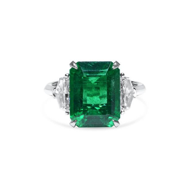 Natural Vivid Green Zambia Emerald Ring, 6.03 Ct. (6.74 Ct. TW), GRS Certified, GRS2020-018103