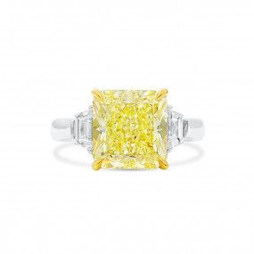 Fancy Yellow Diamond Ring, 5.63 Ct. (6.22 Ct. TW), Radiant shape, GIA Certified, 5212480681