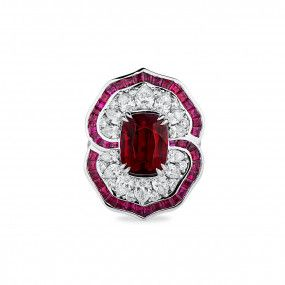 Natural Vivid Red Mozambique Ruby Ring, 6.00 Ct. (11.03 Ct. TW), GRS Certified, GRS2018-068380, Unheated