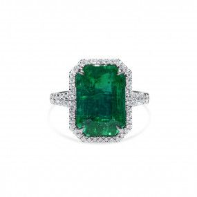 Natural Vivid Green Zambia Emerald Ring, 5.04 Ct. (6.07 Ct. TW), GRS Certified, GRS2020-028223