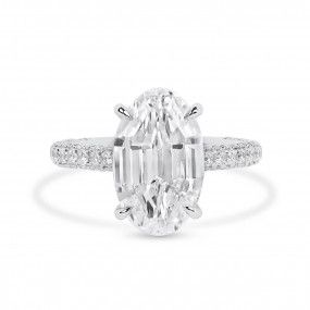 White Diamond Ring, 5.02 Ct. (6.01 Ct. TW), Oval shape, GIA Certified, 2171570209